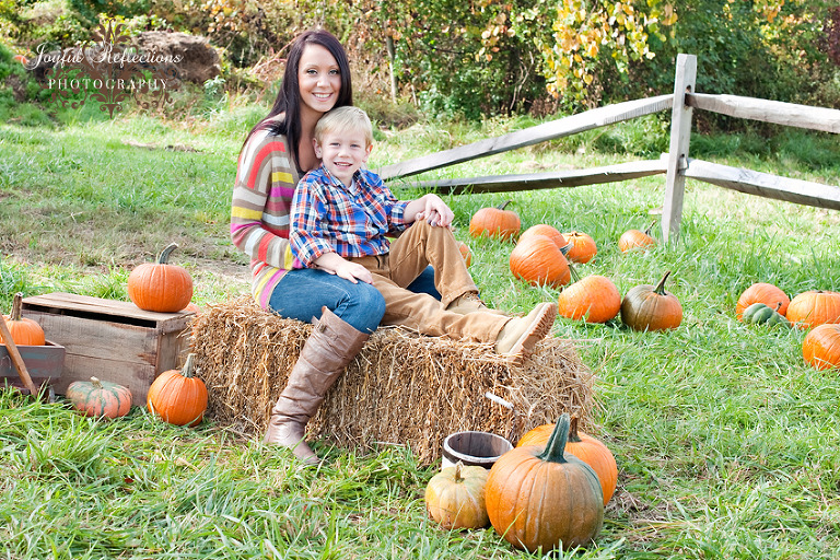 joyfulreflectionsphotography.com_Johnny Appleseed Farm Ellington CT Family Photographer